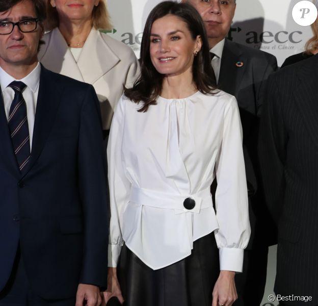 La reine Letizia d'Espagne, présidente d'honneur de l'Association espagnole contre le cancer, présidait le 4 février 2020 au IXe Forum contre le cancer à Madrid, dans le cadre de la Journée mondiale de la lutte contre la maladie.