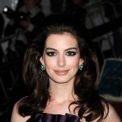 Anne Hathaway devient une... Simpson !