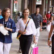 La chic reine Sofia : sortie shopping avec ses filles Cristina et Elena d'Espagne... il ne manque plus que Letizia !