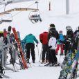 """Exclusif - Joy Hallyday, Jade Hallyday et Pascal Balland - Laeticia Hallyday et son compagnon Pascal Balland lors d'une journée au ski à la station """"Big Sky"""" dans le Montana avec leurs filles respectives, le 16 février 2020."""