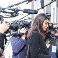 Ambra Battilana Gutierrez, l'une des accusatrices d'Harvey Weinstein, avec l'avocate Gloria Allred devant la Cour suprême de l'Etat de New York le 24 février 2020, lors de l'audience au cours de laquelle le jury a rendu un verdict de culpabilité à l'encontre du prévenu, jugé pour viol et agression sexuelle. © Vanessa Carvalho/ZUMA Wire/Bestimage