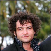 Matthieu Chedid connaît bien la réalisatrice de son nouveau clip : c'est sa petite amie et... la fille des Deschiens !