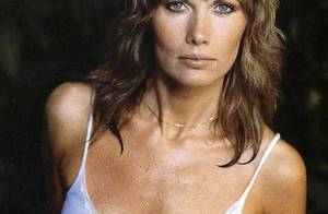Quand Maud Adams, la sublime ancienne James Bond Girl... donne son avis sur Daniel Craig ! Regardez !