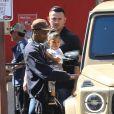 Exclusif - Je t'aime moi non plus - Kylie Jenner et son ex Travis Scott multiplient les apparitions en famille, serait-ils à nouveau en couple? Ils sont sortis déjeuner à Calabasas avec leur fille Stormi, Los Angeles, le 29 février 2020.