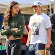 Exclusif - Joel Kinnaman et sa compagne Kelly Galese au Farmers Market à Los Angeles, le 5 janvier 2020.