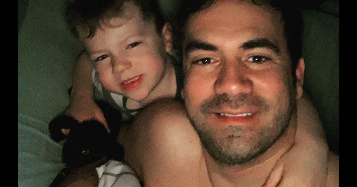 """Alex Goude : En """"manque"""" de son fils resté aux USA, il lui dédie La Maison Lumni"""