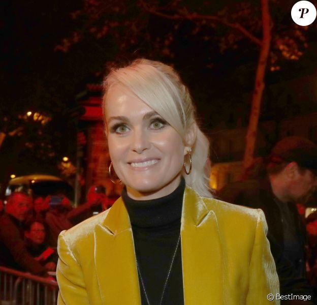 """Laeticia Hallyday arrive à la soirée """"Johnny Hallyday, Un soir à l'Olympia"""" à Paris le 1er décembre 2019."""