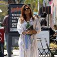 Eva Mendes fait des courses dans un quartier de Los Angeles, le 25 mars 2019.