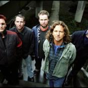 Pearl Jam fête ses 20 ans avec un clip génial... réalisé par le cinéaste Cameron Crowe ! Regardez !