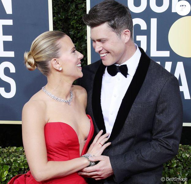 Scarlett Johansson et son fiancé Colin Jost - Photocall de la 77ème cérémonie annuelle des Golden Globe Awards au Beverly Hilton Hotel à Los Angeles, le 5 janvier 2020.