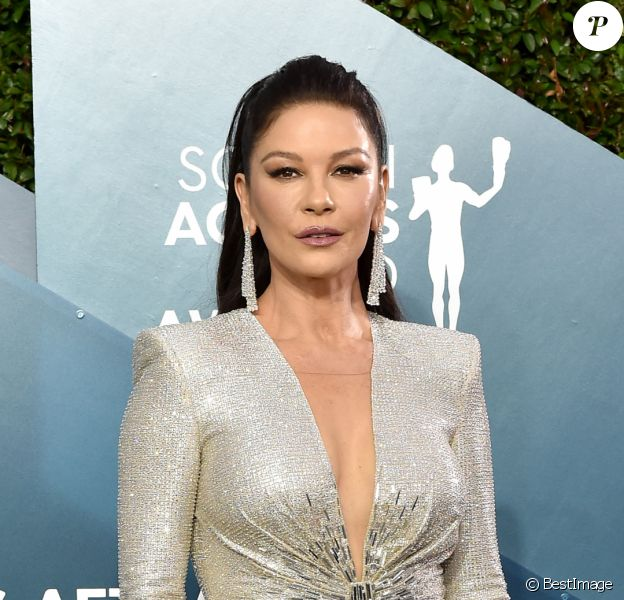 "Catherine Zeta-Jones - 26ème cérémonie annuelle des ""Screen Actors Guild Awards"" (""SAG Awards"") au ""Shrine Auditorium"" à Los Angeles, le 19 janvier 2020."