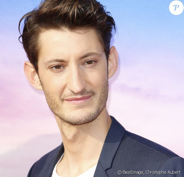 "Pierre Niney - Personnalités à la projection du film ""Toy Story 4"" à Eurodisney Paris. Le 22 juin 2019 © Christophe Aubert via Bestimage"