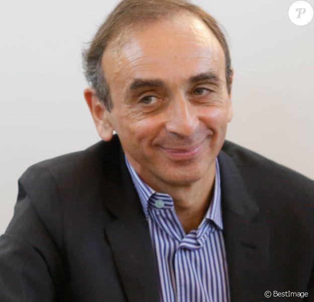 Eric Zemmour - Salon du livre à la porte de Versailles à Paris le 22 mars 2015.22/03/2015 - Paris