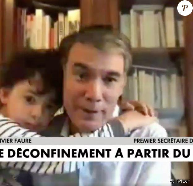 Capture- Olivier Faure perturbé par le câlin de son fils en plein direct, le 5 mai 2020.