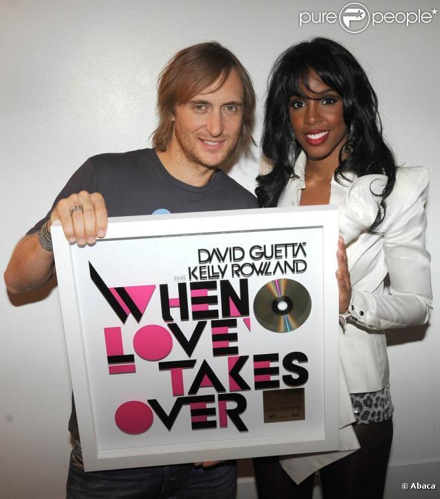 David Guetta et Kelly Rowland ont reçu un disque d'or à Cologne le 23 août 2009