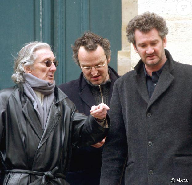 Daniel Cauchy et son fils Didier Cauchy en mars 2004 à Paris lors des obsèques de Philippe Lemaire, avecc qui il avait joué dans Quand tu liras cette lettre de Jean-Pierre Melville.