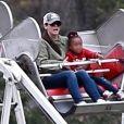 Exclusif - Sandra Bullock et sa fille Laila dans les manèges à Studio City le 12 mai 2018.