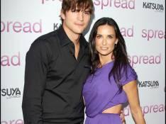 Ashton Kutcher devient le patron... de sa femme Demi Moore ! Ben non ! (réactualisé)