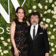 Tina Fey et son mari Jeff Richmond lors de la 71e cérémonie annuelle des Tony Awards 2017 au Radio City Music Hall à New York, le 11 juin 2017.