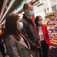 Le roi Felipe VI d'Espagne et la reine Letizia ont visité Mercamadrid, la plus grande plateforme logistique de produits frais d'Espagne, le 21 mai 2020 à partir de 5h30 du matin, pour soutenir l'effort des professionnels qui maintiennent l'approvisionnement du pays en produit frais pendant l'épidémie de coronavirus (COVID-19).