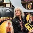 """Le guitariste du groupe Queen Brian May présente son livre """"Queen in 3D"""" lors du salon du livre de Francfort le 12 octobre 2017."""