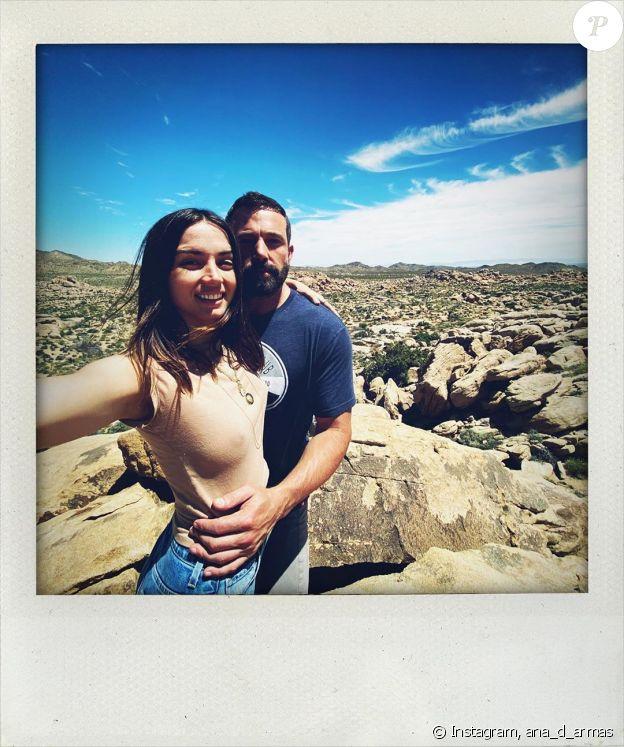 Ben Affleck et sa petite-amie Ana de Armas sur Instagram, le 1er mai 2020.