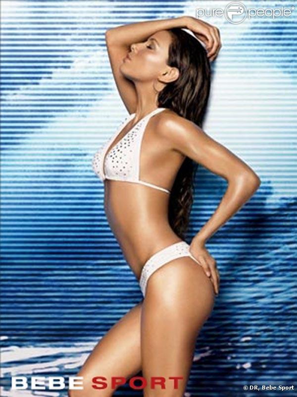Eva Longoria très sexy pour la marque de prêt-à-porter Bebe Sport !