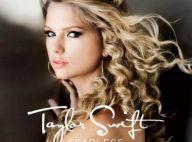 Taylor Swift : Blonde ou brune, sage ou fatale : tous ses looks dans son nouveau clip, You Belong With me ! Regardez !