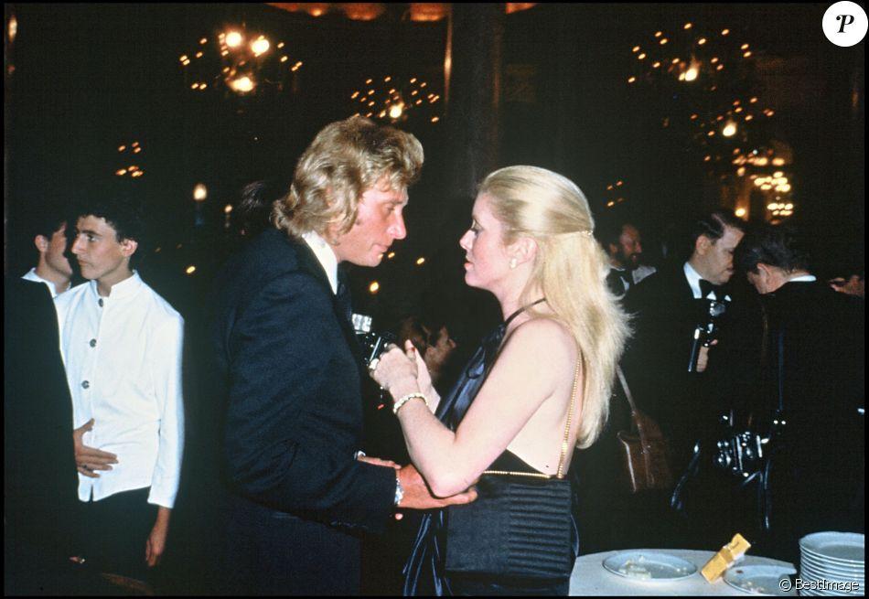 Johnny Hallyday et Catherine Deneuve lors du Festival de Cannes en 1979.