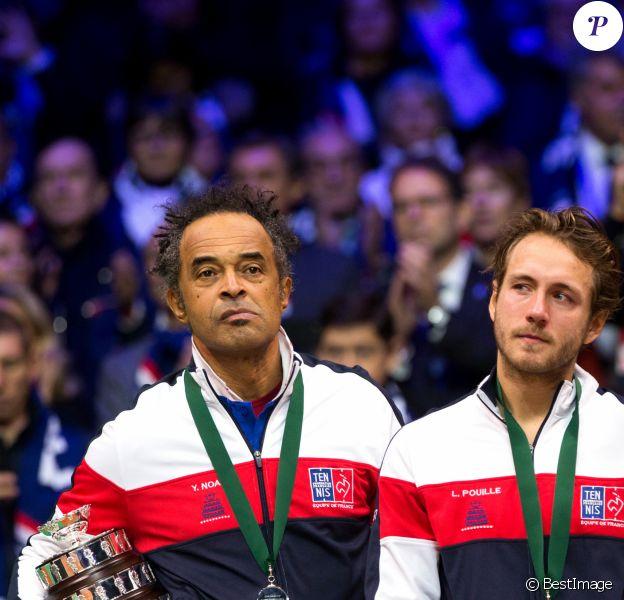 Le capitaine de l'équipe de France Yannick Noah et Lucas Pouille - Le joueur de tennis français Lucas Pouille opposé au joueur Croate Marin Cilic lors de la Finale de la Coupe Davis France vs Croatie, au Stade Pierre Mauroy à Villeneuve d'Ascq, France, le 25 novembre 2018.