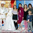 Archives - Ornella Mutti avec ses enfants et petits enfants pour celebrer le Noel d'Eurodisney a DisneyLand Paris . 09/11/2003 - Paris