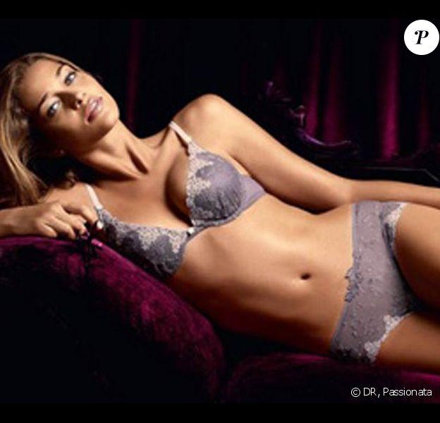 La belle Ana Beatriz Barros, splendide pour la nouvelle campagne Passionata !