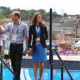 Le prince Harry, le prince William, le duc de Cambridge et Catherine Kate Middleton, la duchesse de Cambridge vont voir des épreuves d'athlétisme au stade Hampden Park lors des XXèmes Jeux du Commonwealth à Glasgow, le 29 juillet 2014.