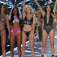 Taylor Hill, Jasmine Tookes, Elsa Hosk, Adriana Lima, Behati Prinsloo et Candice Swanepoel - Défilé Victoria's Secret à New York, le 8 novembre 2018.
