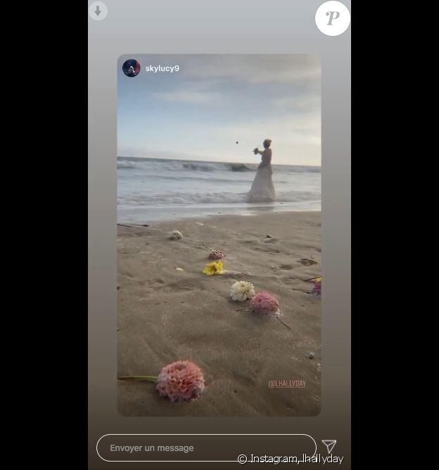 Cérémonie hommage à Johnny Hallyday sur une plage californienne avec Laeticia Hallyday, ses filles Jade et Joy. Le 15 juin 2020, jour de l'anniversaire du rockeur qui aurait fêté ses 77 ans.