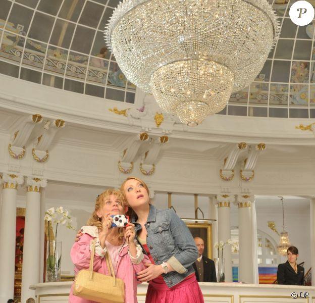 Stéphanie Tuche (Sarah Stern) découvre avec sa maman le luxe monégasque. Le film les Tuche, d'Olivier Baroux, sera dans les salles le 1er juillet 2011