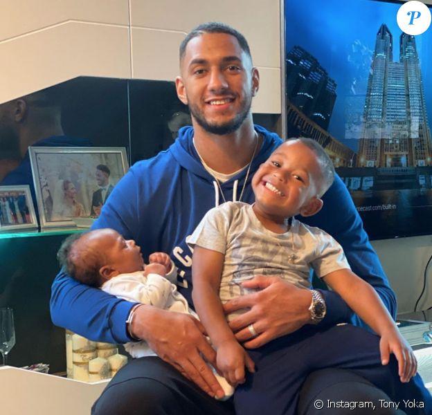 Tony Yoka et ses deux fils, Ali et Magomed. Juin 2020.