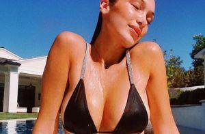 Bella Hadid sans sous-vêtements : en robe blanche, elle dévoile sa poitrine