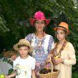 Hermine de Clermont Tonnerre et ses enfants Calixte et Allegra à la Garden Party de Babette de Rozières. Le 5 juillet 2015