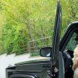 Milla Jasmine avec l'un de ses chiens sur Instagram, juin 2020