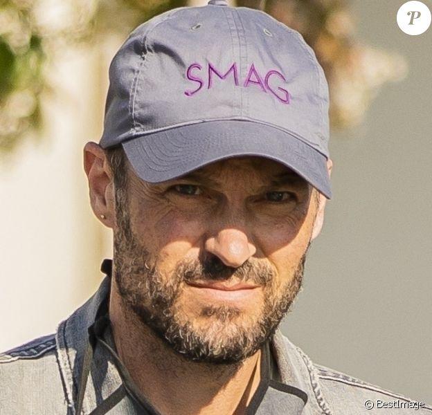 """Exclusif - Brian Austin Green, avec sa casquette """"Smag"""", fait quelques provisions dans un supermarché à Calabasas, le 18 juin 2020."""