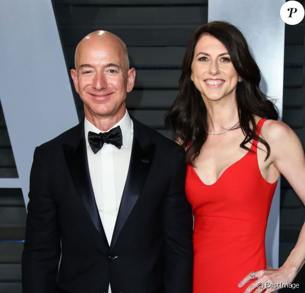 Jeff Bezos et sa femme MacKenzie Bezos à la soirée Vanity Fair Oscar au Wallis Annenberg Center à Beverly Hills, le 4 mars 2018