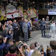 Le père et la mère de la chanteuse, Mitch et Janis Winehouse, ont dévoilé la statue de Amy Winehouse à Camden Market à Londres. Le 13 septembre 2014
