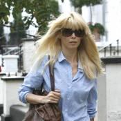 Une Claudia Schiffer sublime se balade dans les rues de Londres... tout simplement !