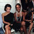 Kelly Rowland et Kim Kardashian au défilé Jill Stuart à New York le 14 septembre 2009