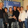 Michel Vuillermoz, Marilyne Canto, Hervé Chabalier, Mélanie Thierry, Philippe Godeau et Anne Consigny lors de la première à Paris le 15 septembre 2009 du film Le Dernier pour la route