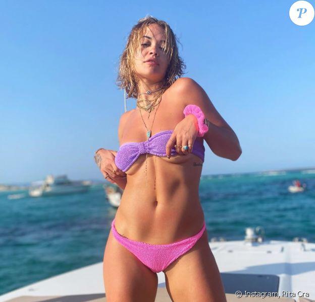 Rita Ora en vacances à Ibiza. Août 2020.