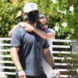 Exclusif - Lea Michele enceinte et son mari Zandy Reich se promènent en amoureux à Los Angeles pendant l'épidémie de coronavirus (Covid-19), le 9 août 2020. Backgrid USA / Bestimage