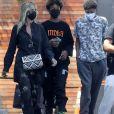 Exclusif - Heidi Klum se balade avec son mari Tom Kaulitz et ses enfants Johan et Henri dans le quartier de West Hollywood à Los Angeles pendant l'épidémie de coronavirus (Covid-19), le 22 juillet 2020.