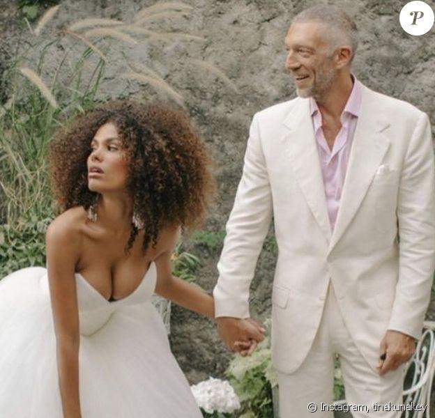 Tina Kunakey et Vincent Cassel fêtent leurs 2 ans de mariage sur Instagram, le 24 août 2020.